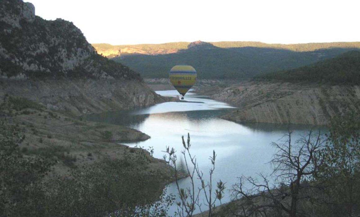 Sobrevolant les valls del Montsec