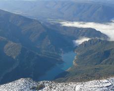 Vistes de la Serra del Montsec i el Congost de Mont-Rebei