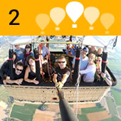 We will fly for an hour and a quarter approximately with smooth changes of height controlled by the pilot, letting ourselves be carried by the breezes that will mark the route of the balloon.