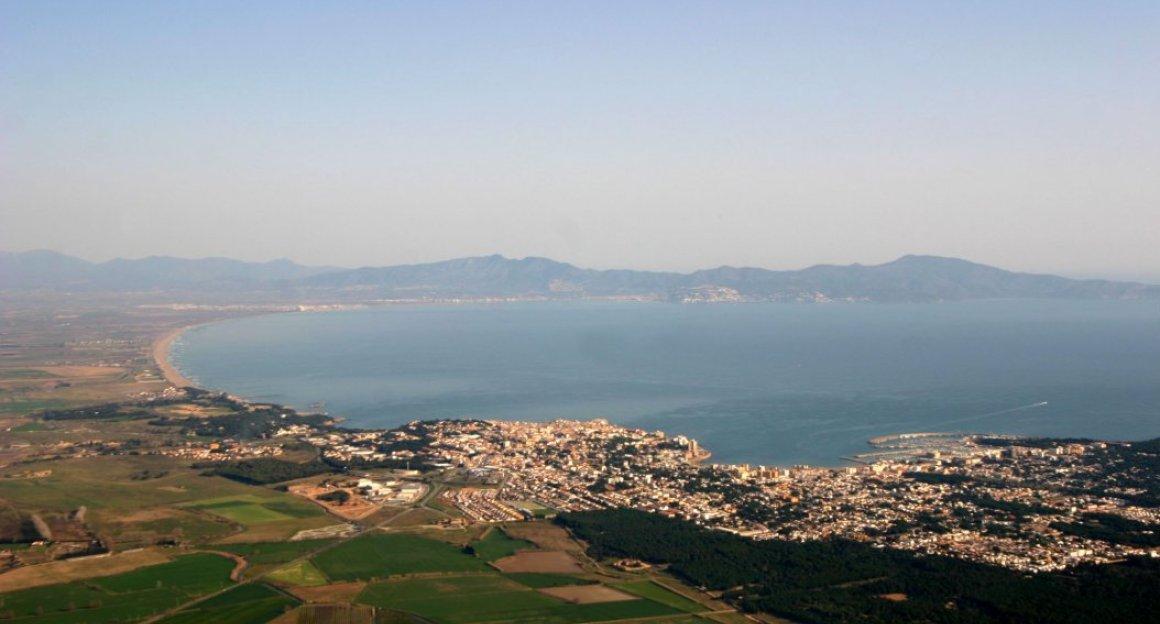Costa Brava vista desde el Baix Empordà - Golfo de Roses