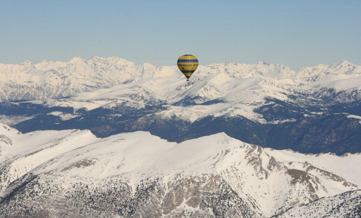 Vuelo en globo travesía del Pirineo Oriental
