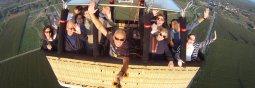 Selfy vol en globus Kon-Tiki