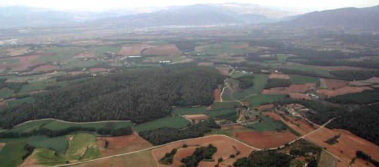 Sobrevolando en globo la comarca del Vallés Oriental (Catalunya) - España.