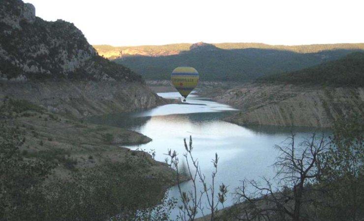 Sobrevolando los valles del Montsec